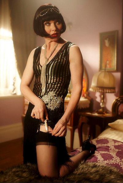 Miss Fisher showing her knife